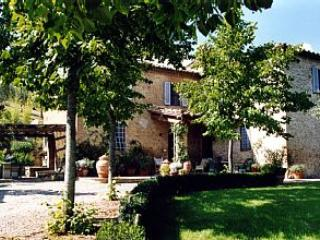 Comfortable Villa with Internet Access and Television - Lucignano D'asso vacation rentals