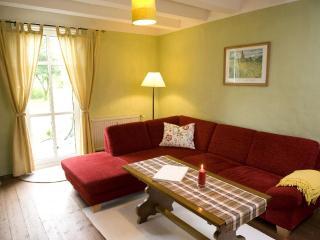 LLAG Luxury Vacation Apartment in Wermelskirchen - 1399 sqft, relaxing, elegant, quiet (# 1673) - Wermelskirchen vacation rentals