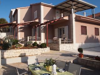 Apartmani Ruza(1769-4635) - Cove Osibova (Milna) vacation rentals