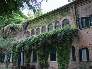 Nice B&B with Deck and Internet Access - Torre de' Passeri vacation rentals