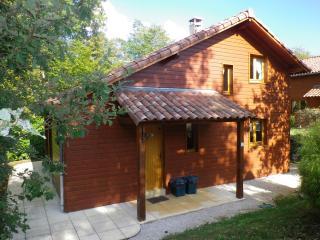 chalet 4* Périgord noir, piscine chauffée - Souillac vacation rentals