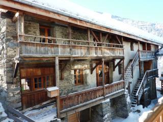 Chalet TANNERIE  PARADISKI 12 à 14 personnes - Peisey-Nancroix vacation rentals