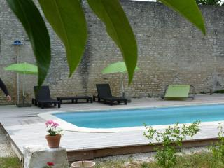Nice Bed and Breakfast with Internet Access and Shared Outdoor Pool - Mareuil vacation rentals