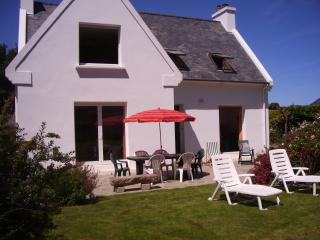 3 bedroom House with Dishwasher in Plougrescant - Plougrescant vacation rentals