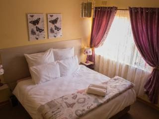 Lolo's 2 Bedroom Apt-15min drive to CBD(Free WiFi) - Harare vacation rentals