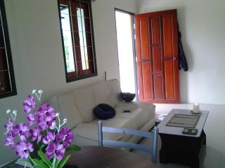 6245 : LOH 1, 2, 1 bedroom house 1 KM to Bangtao Beach - Bang Tao Beach vacation rentals