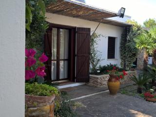 Romantic 1 bedroom Bungalow in Monteroni di Lecce - Monteroni di Lecce vacation rentals
