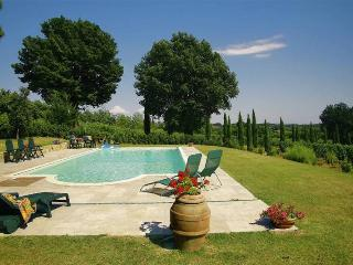 Spacious Villa in Lucignano with Internet Access, sleeps 16 - Lucignano vacation rentals