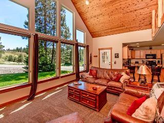 Upscale Cabin in Roslyn Ridge *Fall Specials* 3BR/2BA | WiFi! - Roslyn vacation rentals