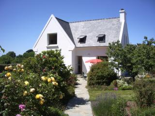 Nice 3 bedroom House in Plougrescant - Plougrescant vacation rentals