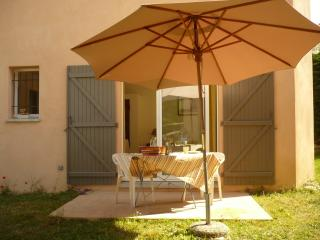 Nice Studio with Internet Access and Television - Venelles vacation rentals