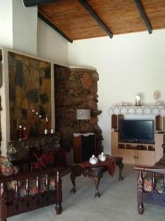 Romantic 1 bedroom Nelspruit Condo with Linens Provided - Nelspruit vacation rentals
