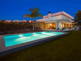 Villa Marina - Exceptional Contemporary 5 bed villa, walk to amenities, large games room - Ferragudo vacation rentals