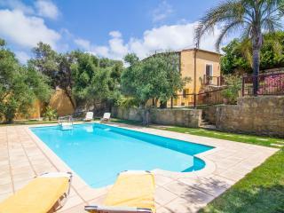 3 bedroom Villa with Internet Access in Maleme - Maleme vacation rentals