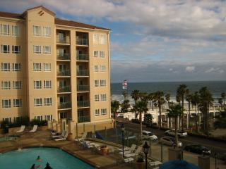 Oceanside Pier Resort Relax and enjoy the beach. - Oceanside vacation rentals