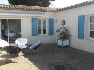 Cozy 2 bedroom House in Le Bois-Plage-en-Re - Le Bois-Plage-en-Re vacation rentals
