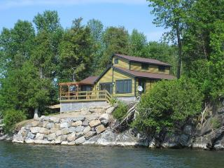 Elegantly rustic, lakefront New England home, w/ great views - North Hero vacation rentals