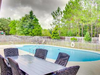 Relaxing and cozy home w/ a backyard pool in a quiet area - Pensacola vacation rentals