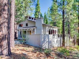 Home with hot tub, shared pool/NPOA access, and great views - Truckee vacation rentals