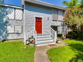 Remodeled, dog-friendly house in quiet Galveston neighborhood - Galveston Island vacation rentals