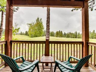Beautiful mountain-themed retreat on the golf course w/jetted bathtub & more! - Truckee vacation rentals