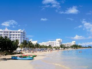 Draxhall Escapè - 2BR, 2BTH, FREE WiFi, CABLE TV - Ocho Rios vacation rentals