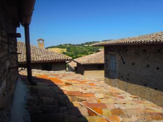 Attic room in the heart of Urbino - Urbino vacation rentals