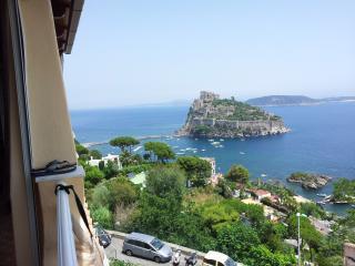 ischia ponte centro storico - Ischia vacation rentals