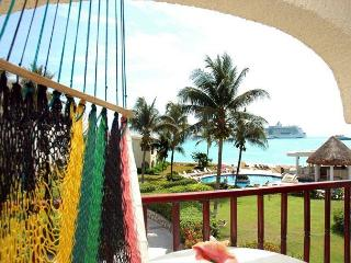 Nice! Oceanfront with pool 1 bedroom in Xaman Ha (Xh7110) - Playa del Carmen vacation rentals