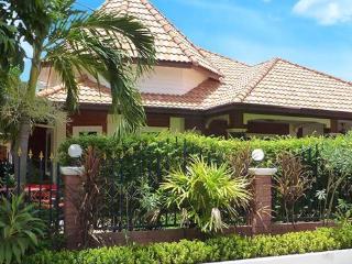 Bungalow Sabai - Pattaya vacation rentals