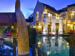 Villa Jai Dhee, astonishing villa in Bali style - Pattaya vacation rentals