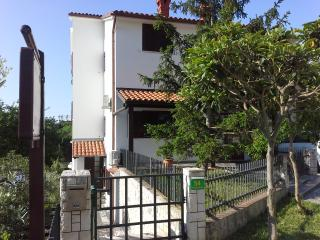 TH00325 Apartments Liljana / One bedroom A3 Mansarda - Pjescana Uvala vacation rentals