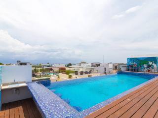 Wonderfull condo, great location - Playa del Carmen vacation rentals