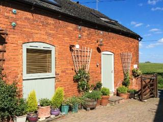 KIPPER'S CORNER, cosy barn conversion, romantic retreat, dog-friendly, walks - Uttoxeter vacation rentals