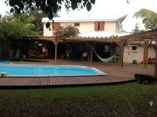 Villa d'architecte, familiale, piscine, plage - Sainte Rose vacation rentals