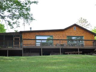 Nice Lodge with Deck and Internet Access - Lac du Flambeau vacation rentals