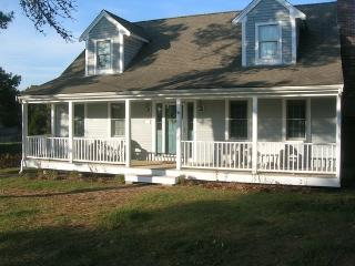 Walk to Ridgevale Beach From Family Friendly Home - West Chatham vacation rentals