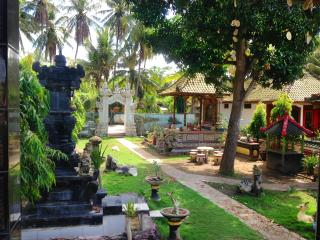 Comfortable 1 bedroom Nusa Penida Bed and Breakfast with Internet Access - Nusa Penida vacation rentals