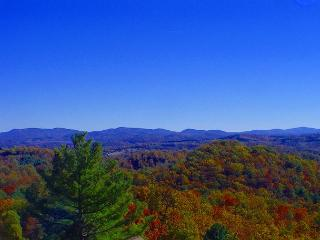 Majestic Panoramic  Views! Enjoy Autumn Colors From The Deck - Grassy Creek vacation rentals