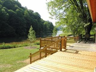 Fish From The Banks Of The New River! Fire Pit, WiF. Lower Summer Rates Avail - Jefferson vacation rentals