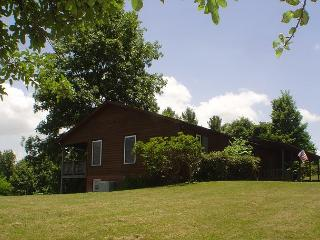 Spacious & Elegant Home WithAmazing Views, Hot Tub & WiFi Lower Summer Rates - West Jefferson vacation rentals