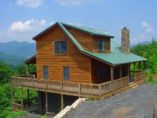 3 LEVEL LOG HOME WITH MOUNTAIN VIEWS, BUBBLING HOT TUB, WIFI & POOL TABLE! - West Jefferson vacation rentals