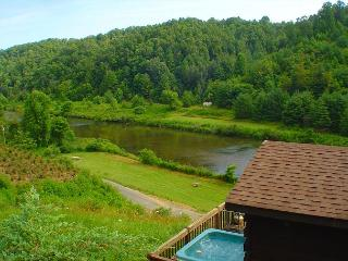 Romantic Cabin w/Bubbling Hot Tub Near  New River! Memorial Day Weekend Avail - Crumpler vacation rentals