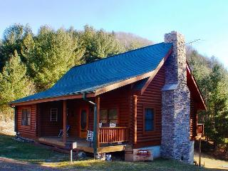 Log Cabin Close To New River With Fire Pit & Pool Table! FOURTH OF JULY AVAIL - Warrensville vacation rentals