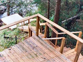 """RIVER VIEW RIDGE""  Private Log Cabin - Memorial Day Weekend Available! - Warrensville vacation rentals"