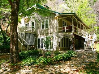 SECLUDED MTN HOME W/CASCADING WATERFALLS & HOT TUB! FOURTH OF JULY AVAILABLE! - Millers Creek vacation rentals