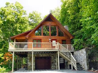 Cool Temps, Privacy, Hot Tub, Game Tables, WiFi & Near West Jefferson! - West Jefferson vacation rentals