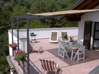 Casa Rossa al mare in Villa Arcobaleno IMPERIA - Imperia vacation rentals