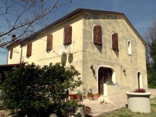 Wonderful 3 bedroom B&B in Tavullia - Tavullia vacation rentals
