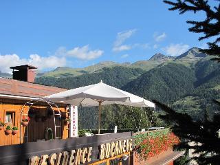 Residence Bucaneve a Marilleva 1400 con ristorante - Mezzana vacation rentals